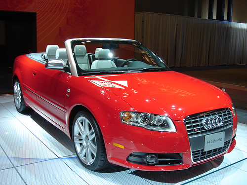 Audi B7 S4 Cabriolet (US) with optional 7-spoke alloy wheels