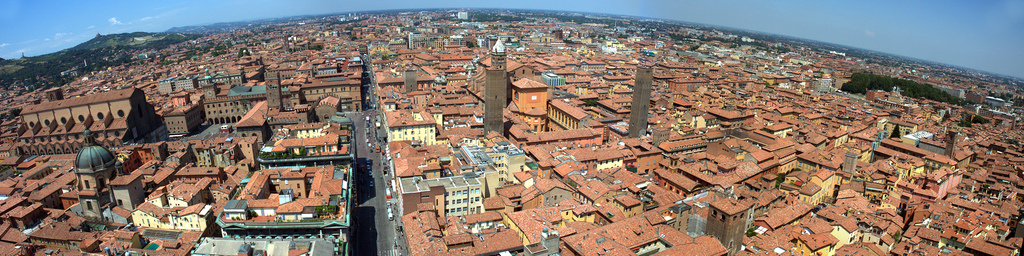 Panoramic view of central Bologna Bologna-view.jpg