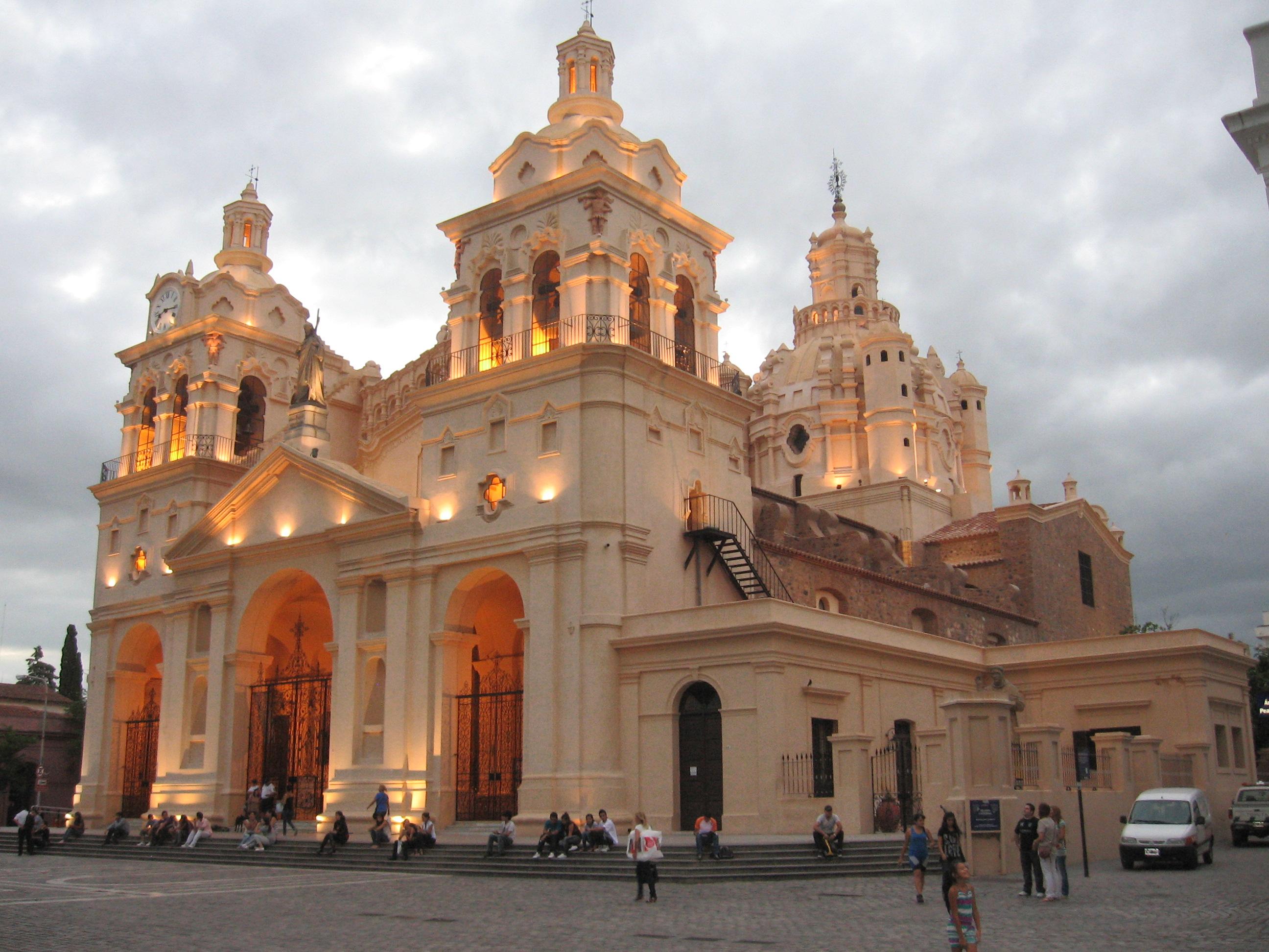 File:Catedral de Córdoba a la tarde.JPG - Wikimedia Commons