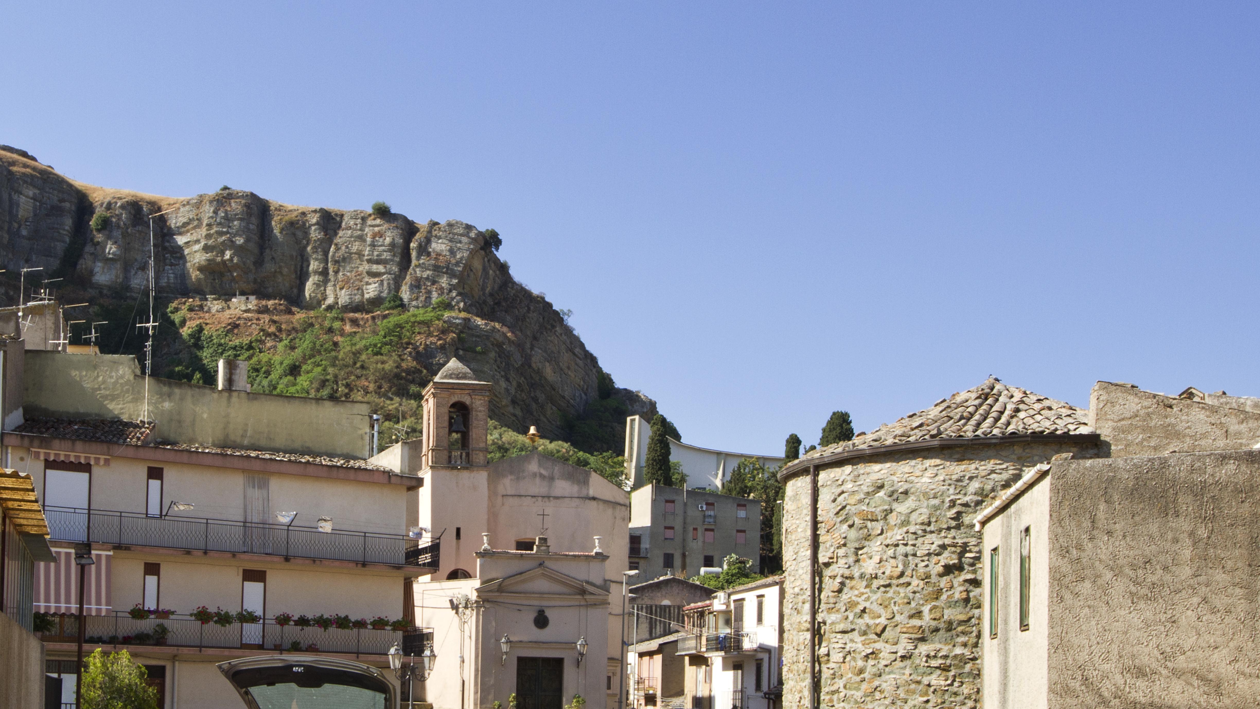 File:Chiesa Dell'Addol...