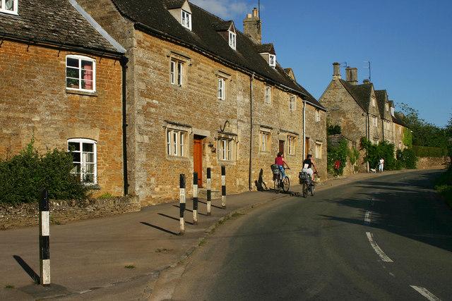 Cotswold Houses, Little Rissington - geograph.org.uk - 525832