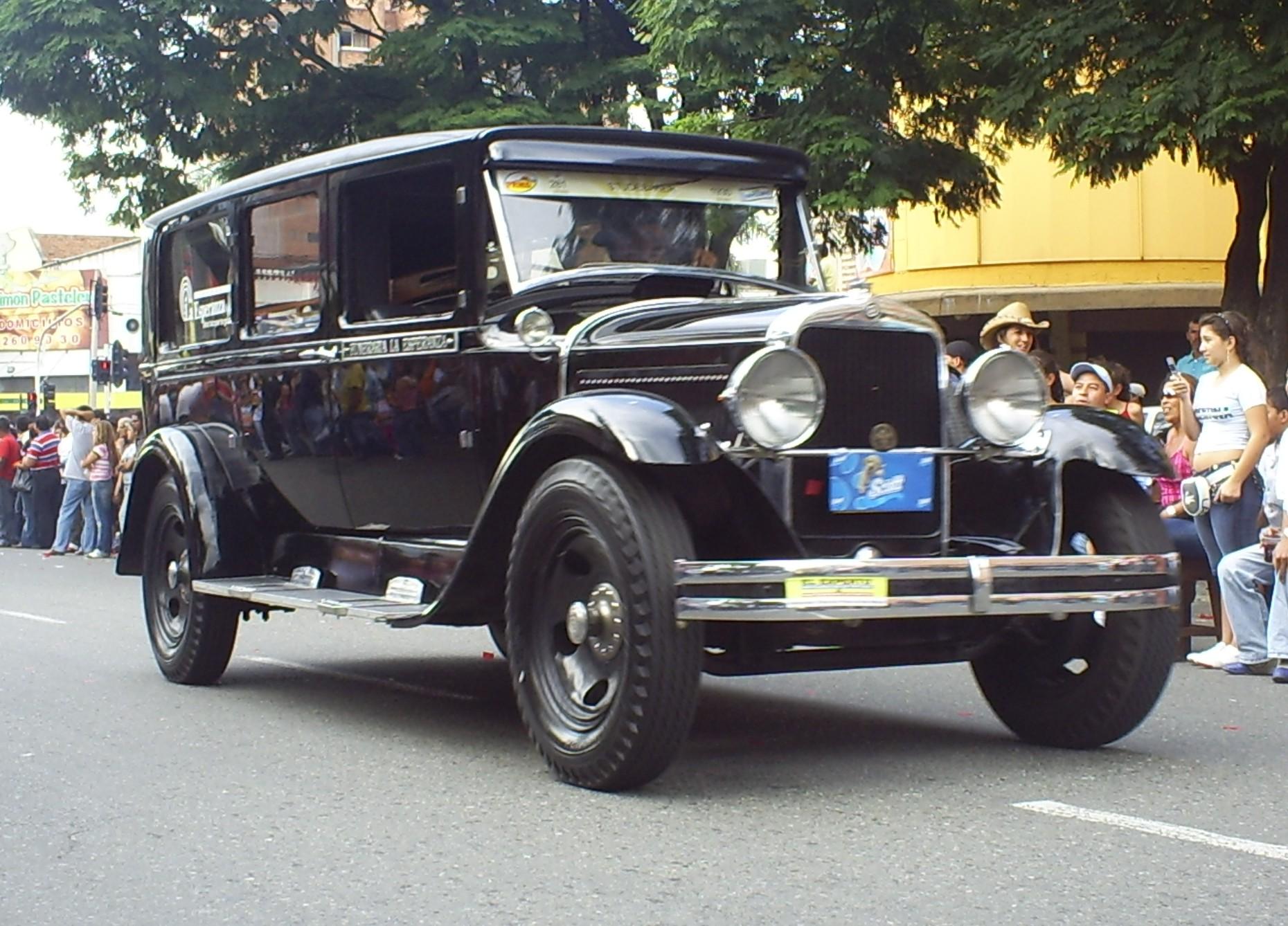file desfile de autos clasicos y antiguos 61 jpg. Black Bedroom Furniture Sets. Home Design Ideas