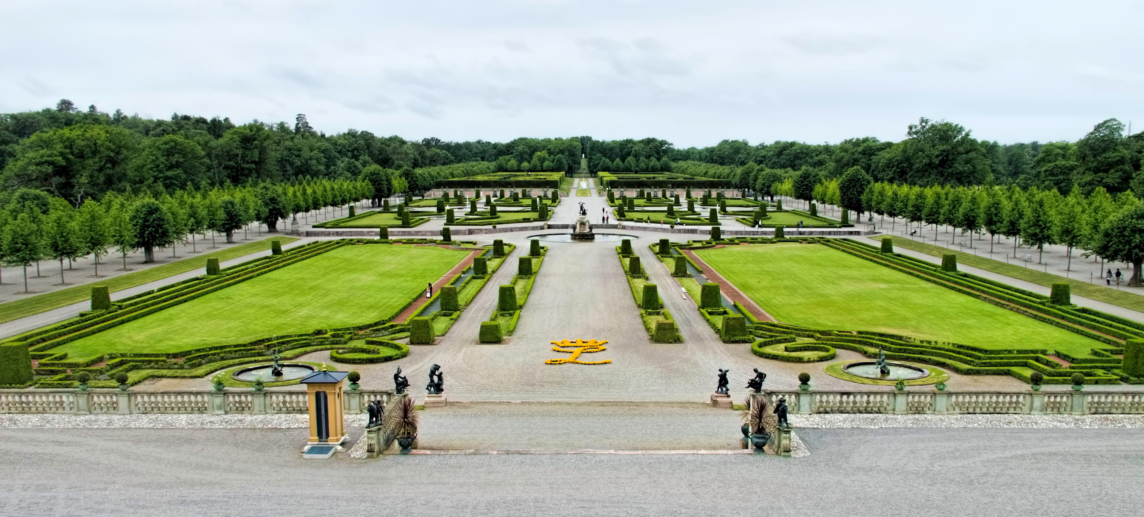 how to get to drottningholm palace