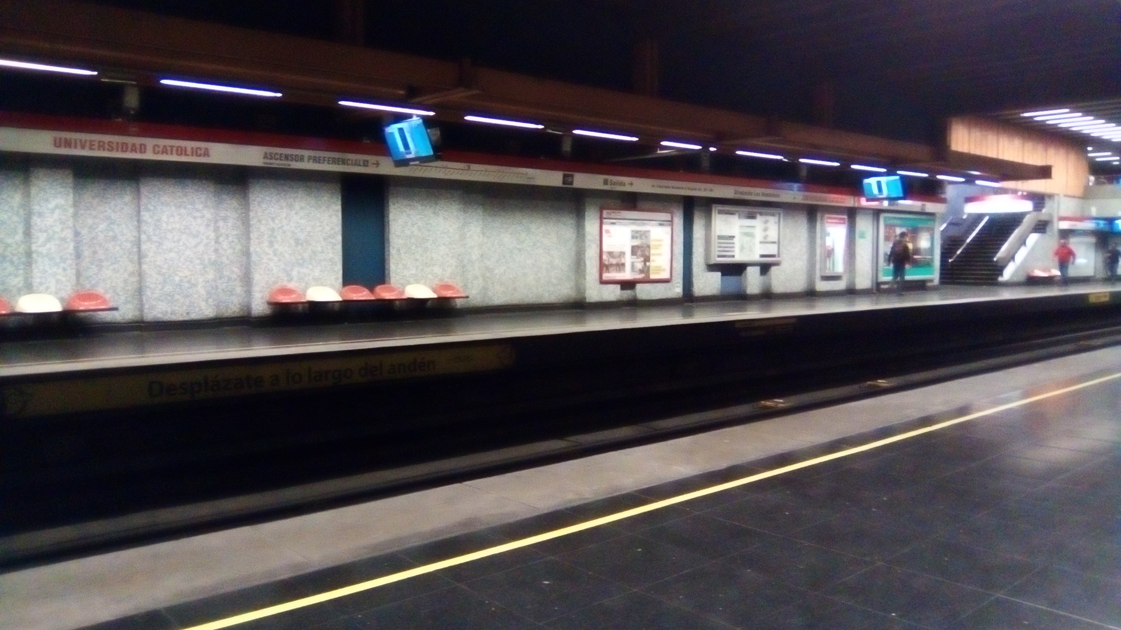Universitat underground station