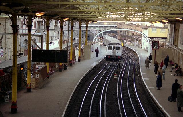 Farringdon station - geograph.org.uk - 739140