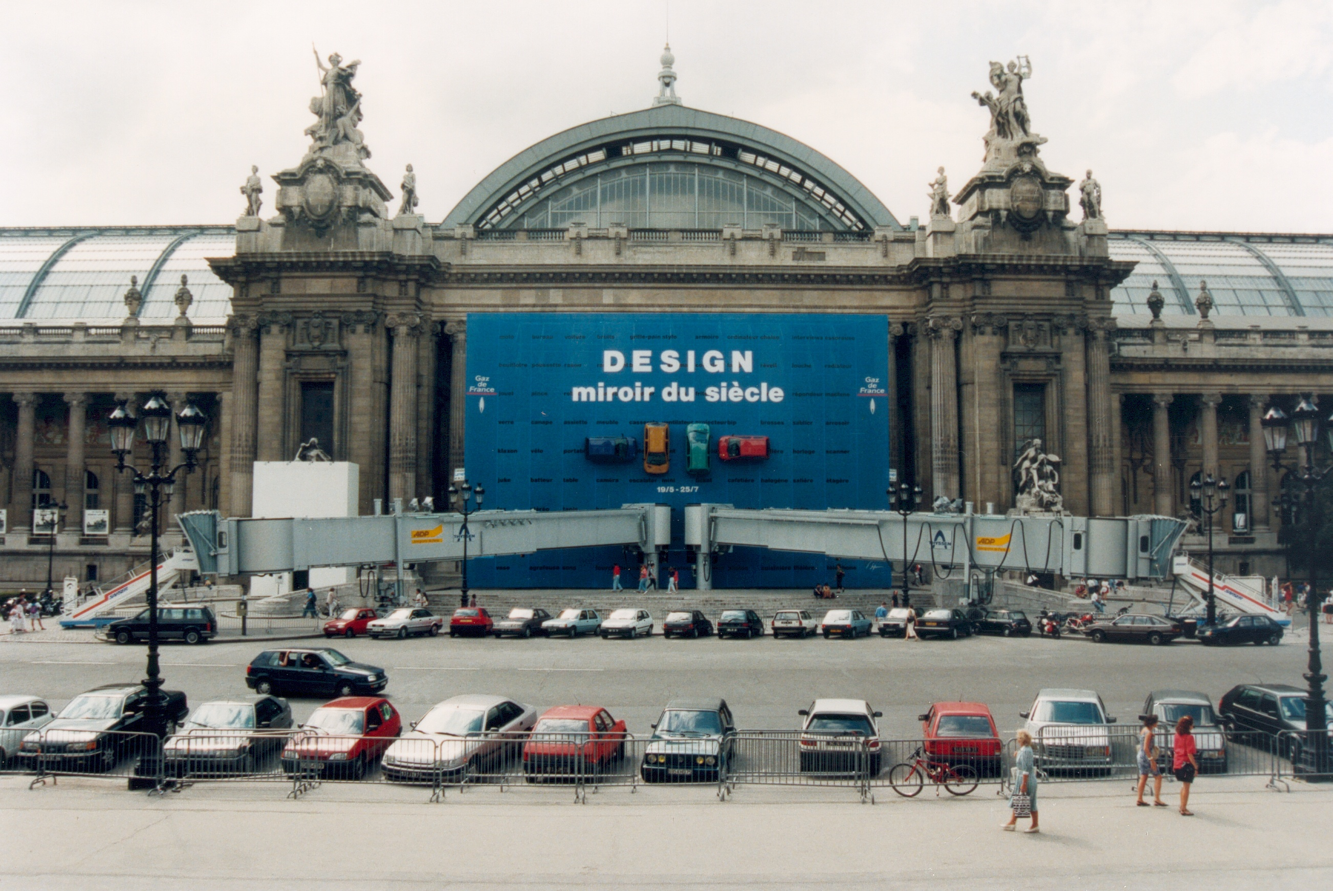 File france paris grand palais exterieur for Expo design paris