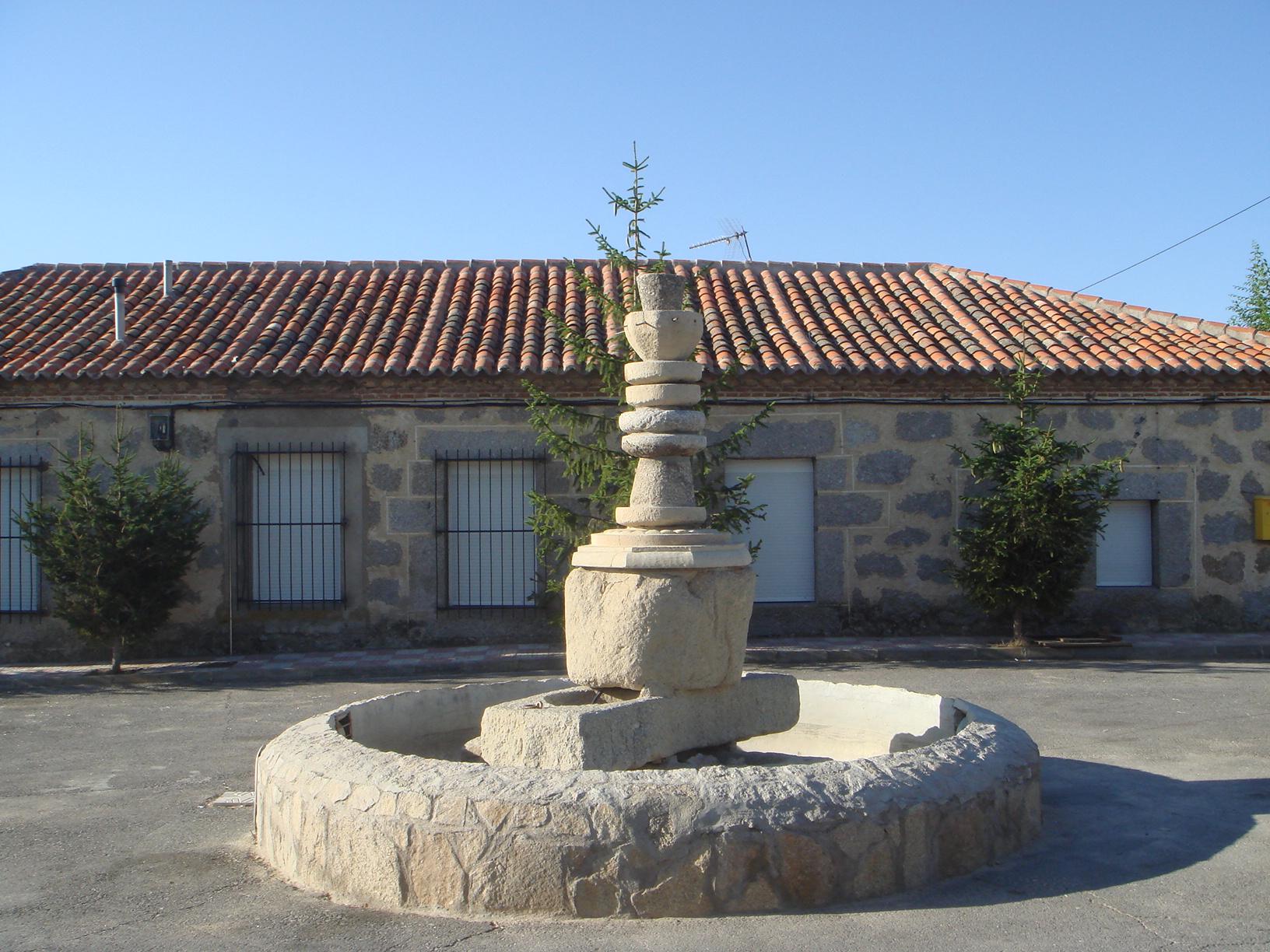 file fuente de piedras jpg wikimedia commons On fuentes de piedra antiguas