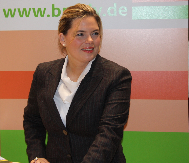 dateijulia kloeckner 2jpg - Julia Klckner Lebenslauf