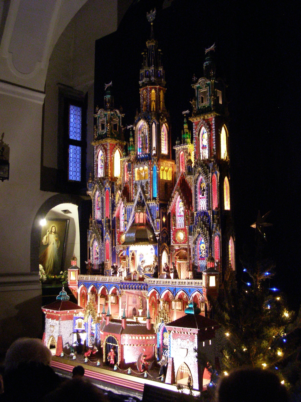 Krakow kosciol franciszkanow szopka krakowska 4.jpg