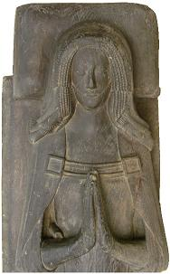 Detail from oak wood effigy of Margaret Audley[13] (died 1373), wife of Fulk FitzWarin, 4th Baron FitzWarin (1341–1374) and heiress of a moiety of the feudal barony of Barnstaple, including the later capital manor of Tawstock. Effigy formerly in Tawstock Church under a recessed arch in wall of north chancel, now in Museum of Barnstaple and North Devon