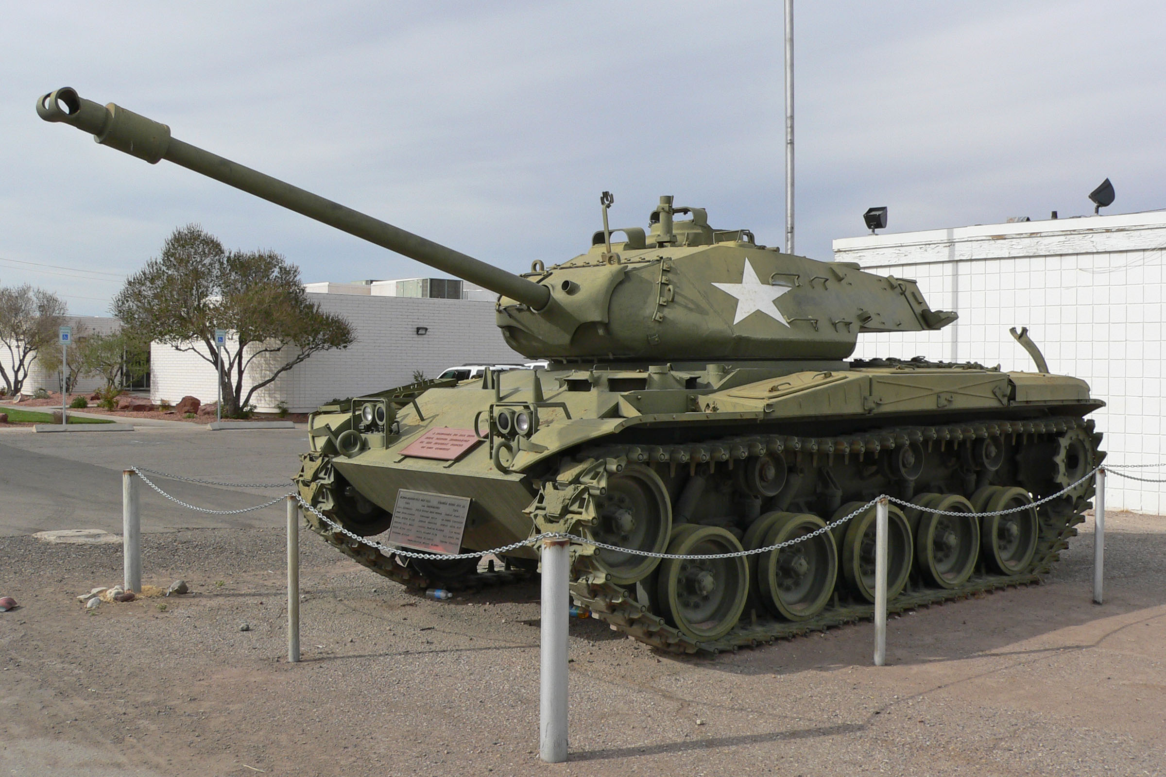 M41_Walker_Bulldog_at_Overton_2.jpg