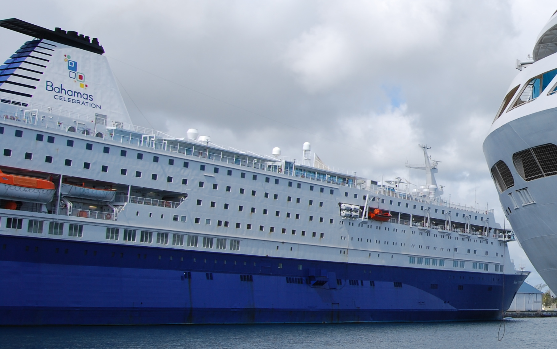 FileMajesty Of The Seas In Nassau Bahamas - Bahamas celebration cruise ship
