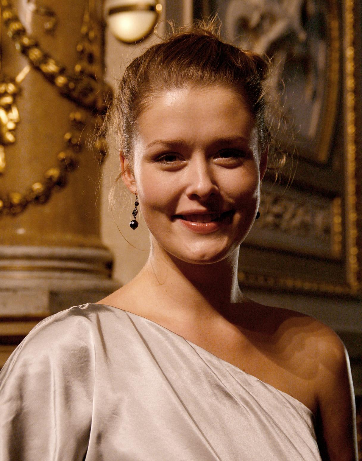 Laura Louisa Garde – Wikipedia