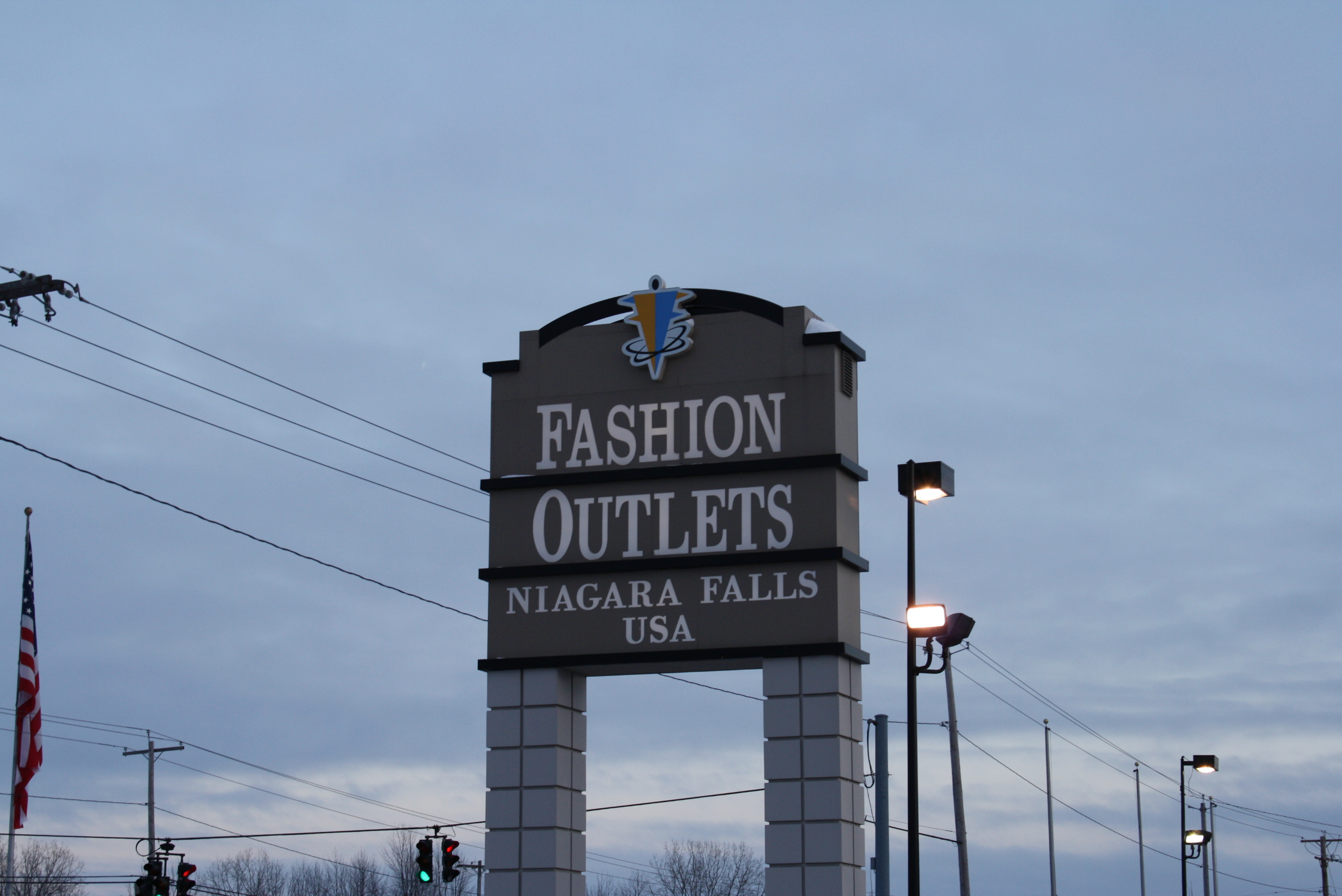 57973d0d Fashion Outlets of Niagara Falls - Wikipedia