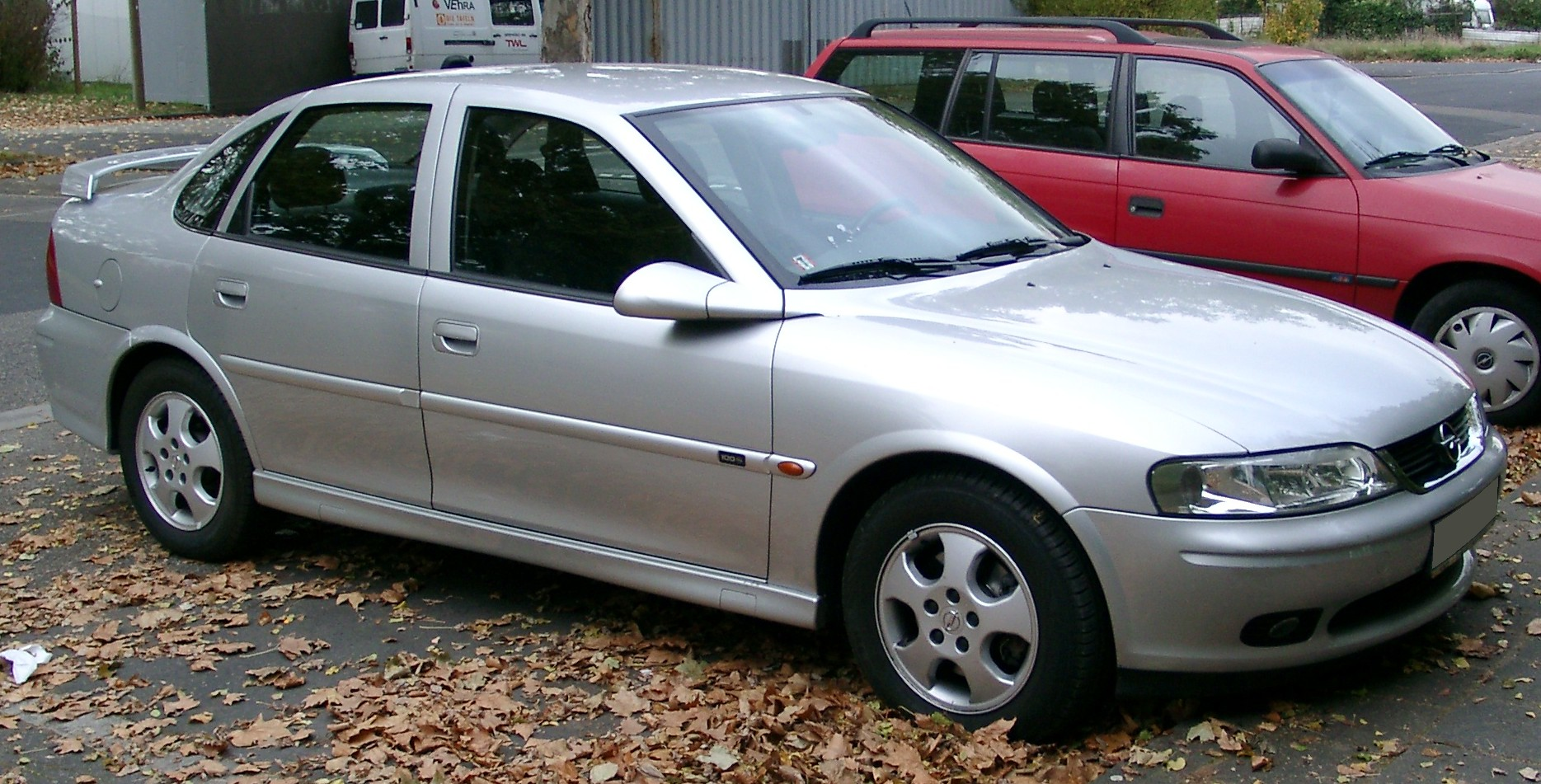 File:Opel Vectra front 20071025.jpg - Wikimedia Commons