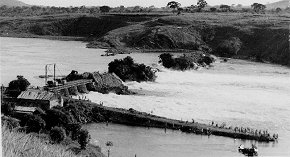 Construction of Owen Falls Dam on White Nile (...