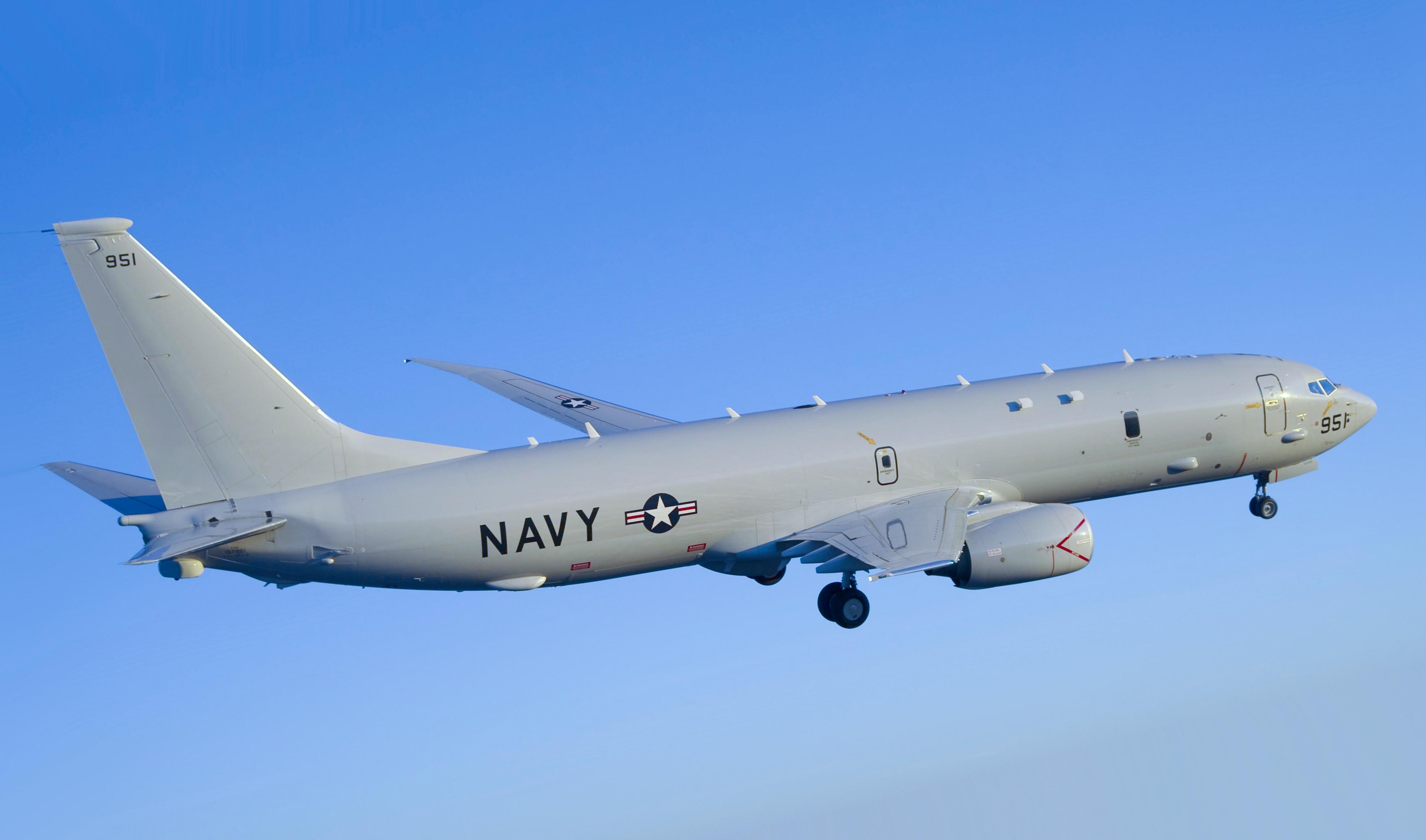 تعاقد البحريه الامريكيه علي دفعه جديده من الطائره  P-8A P-8A_Poseidon_VX-20_Squadron