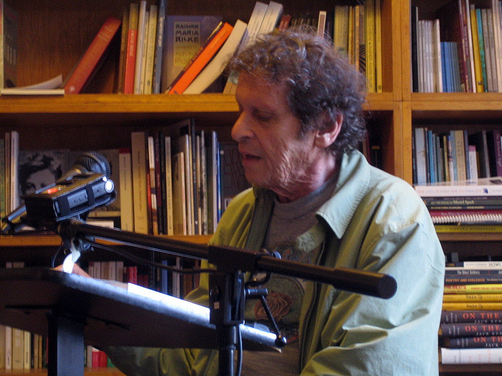 Paul Krassner at [[City Lights Bookstore]] in 2009