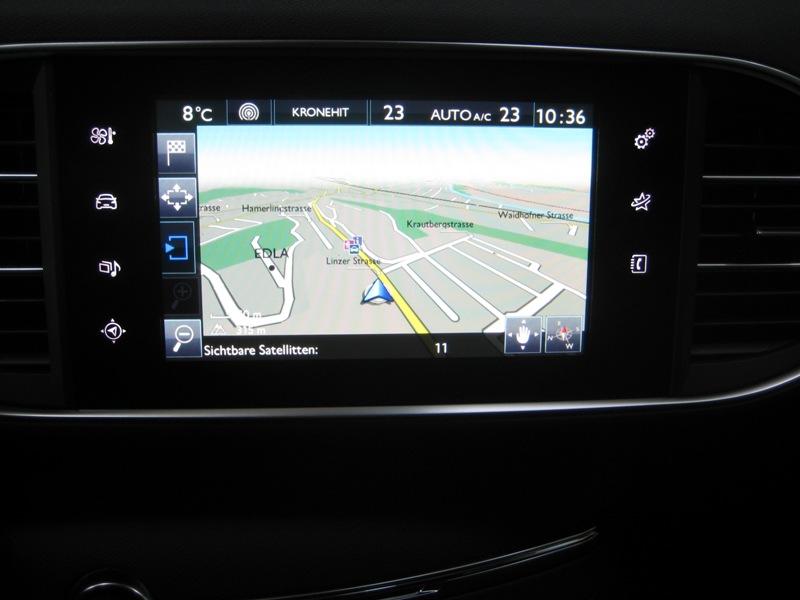 File:Peugeot 308 Allure e-HDi 116 5-doors navigation-system