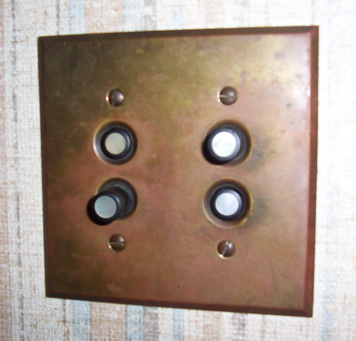 File Push Button Light Switch Jpg Wikimedia Commons