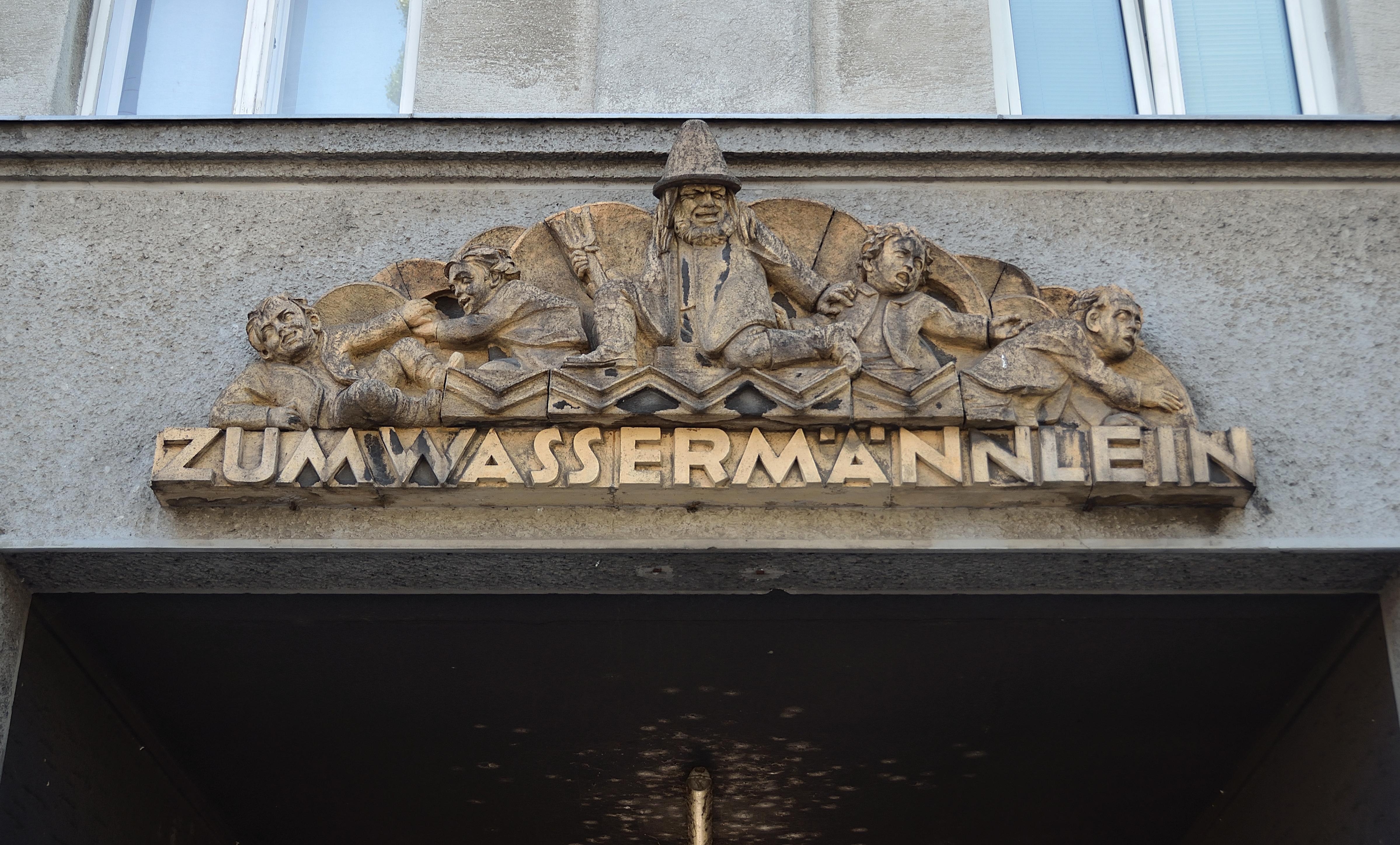 Rechte Wienzeile 71 - house sign.jpg