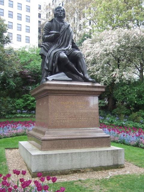 Скульптуры известных людей в Лондоне / Исторические памятники и ...
