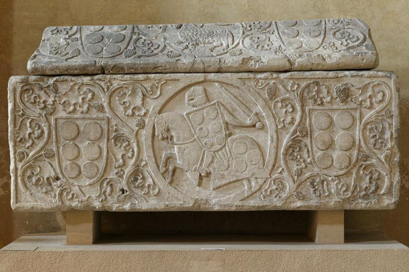 Sarcophage d'un chevalier de Palays