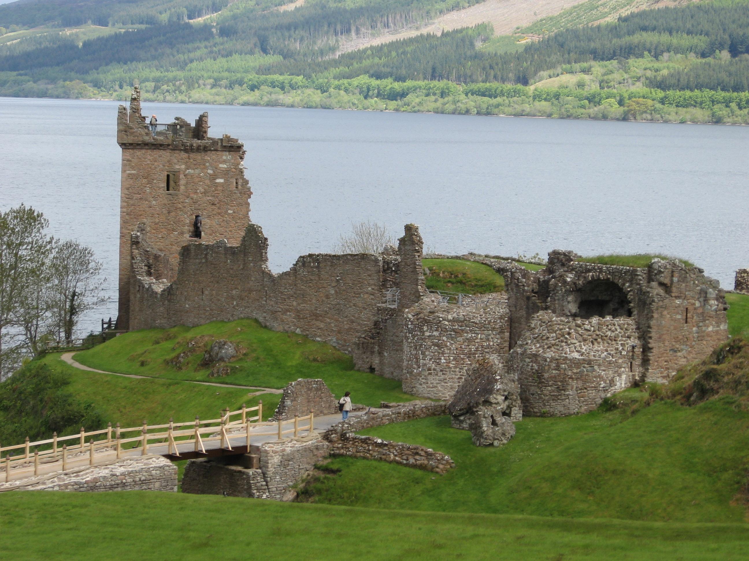 File Scotland Urquhart Castle1 Jpg Wikimedia Commons