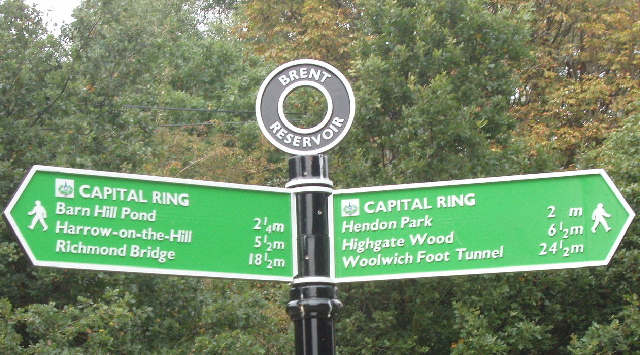 Sign for Capital Ring walking route at Brent Reservoir - geograph.org.uk - 62117