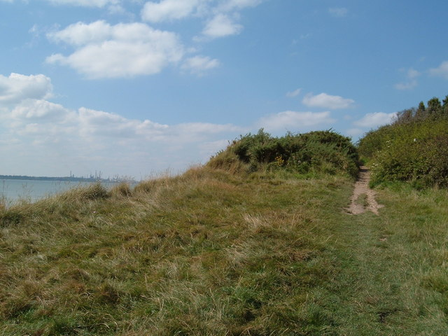 Solent Way at Chilling - geograph.org.uk - 536591