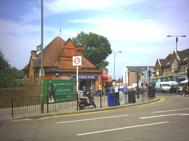 Southfields Metrostation Wikipedia