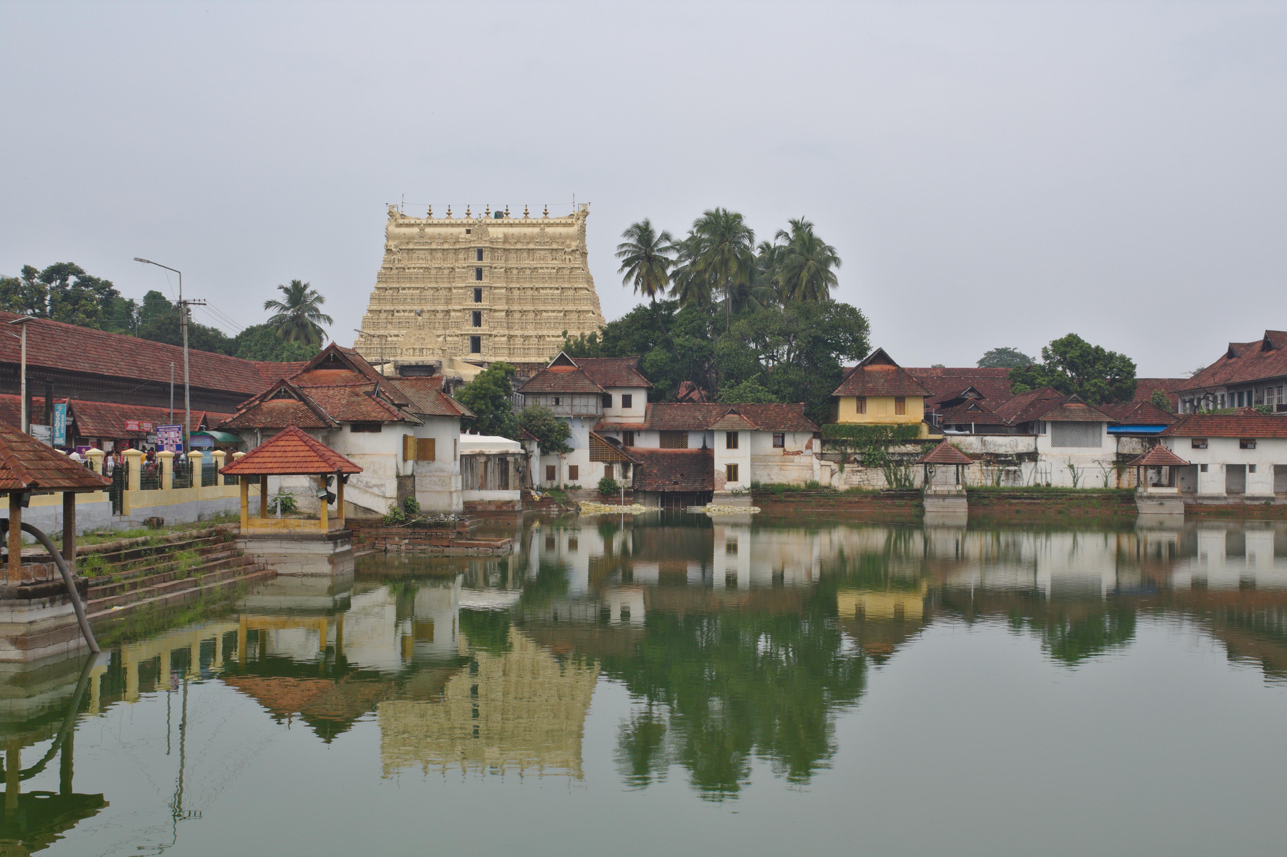 TVM Padmanabhaswamy Temple.jpg