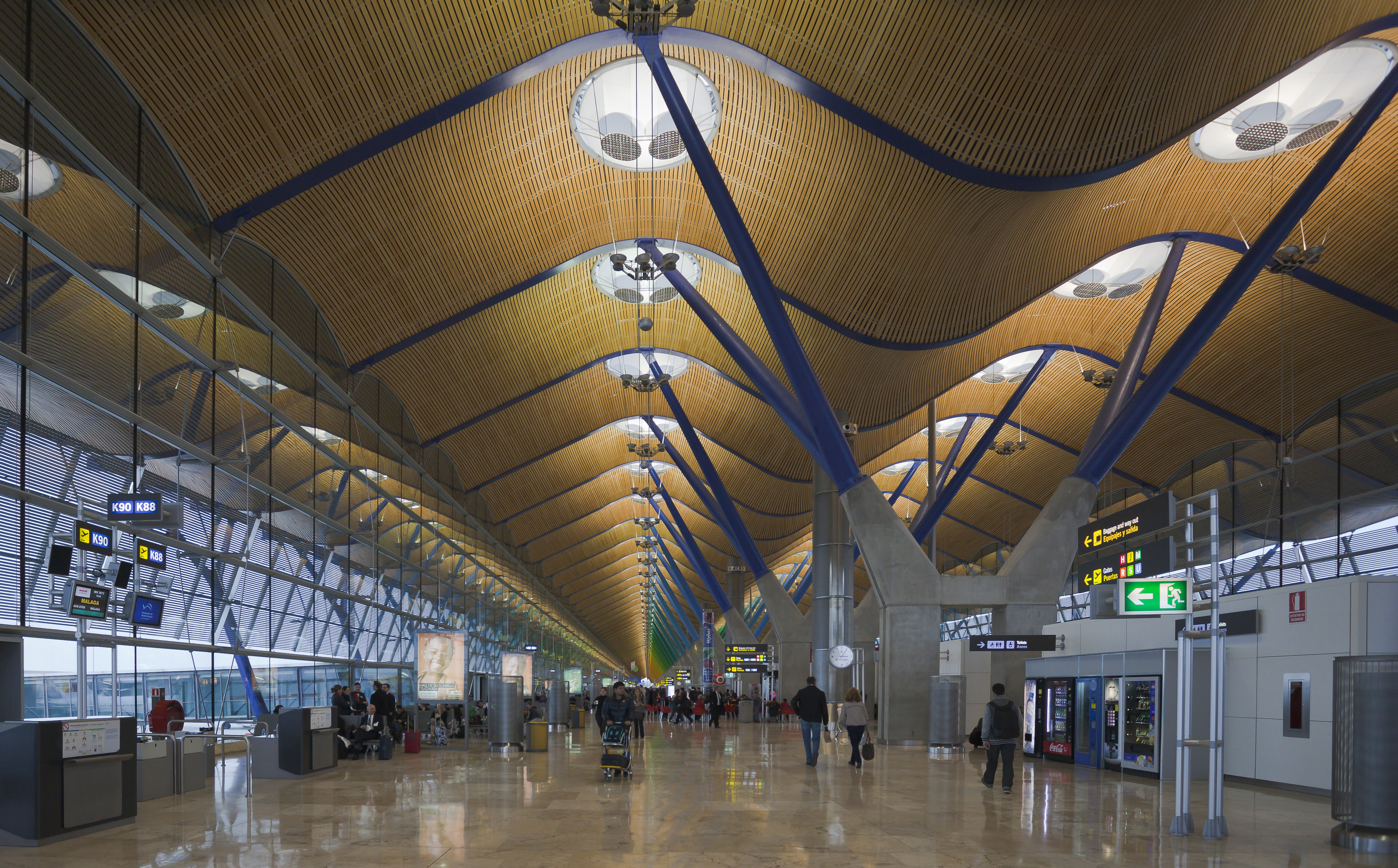 Madrid International Airport: photos and descriptions, terminals, flights and passenger reviews 68