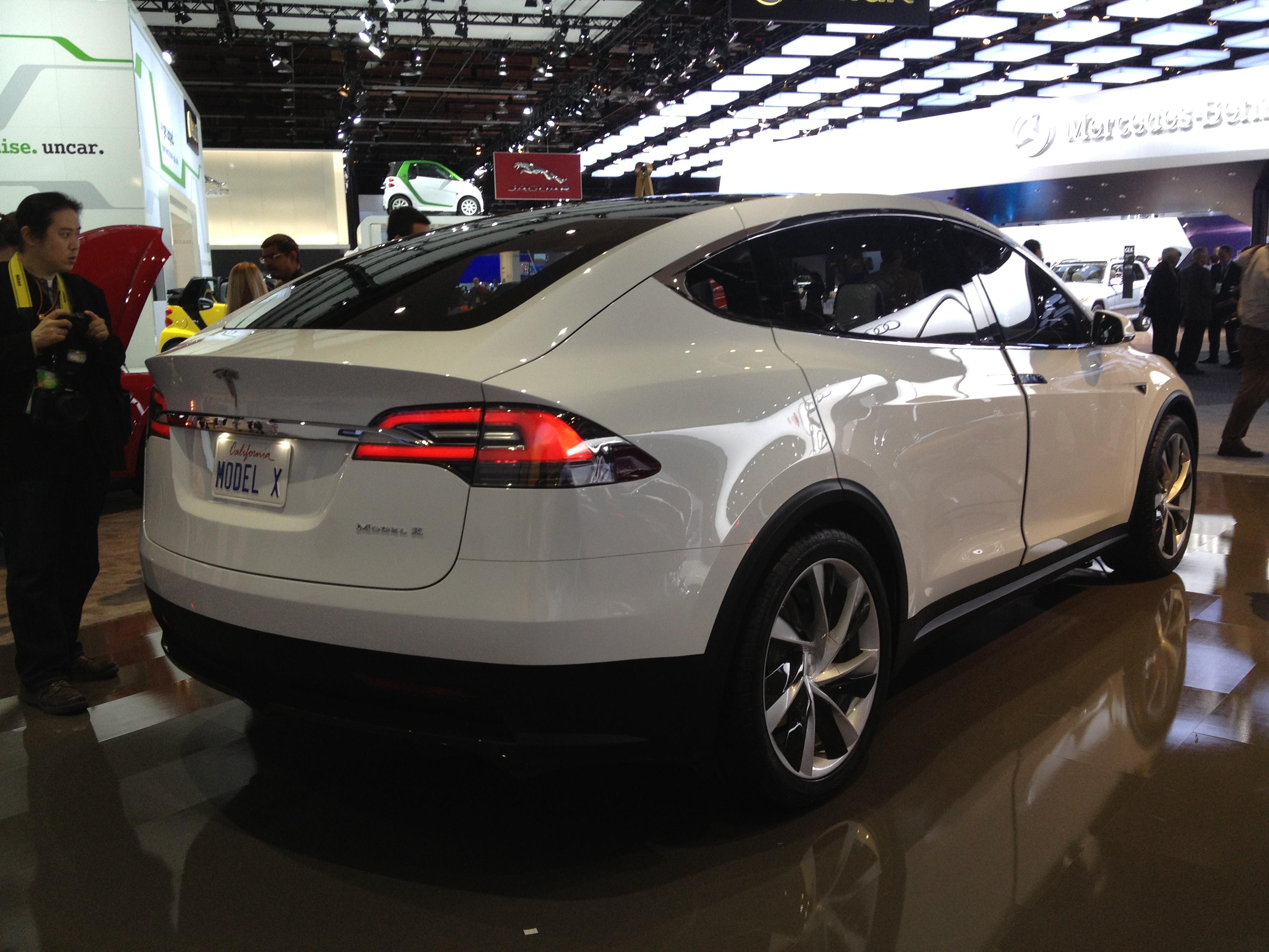 Model Y Wikipedia: File:Tesla Model X (8403033571).jpg