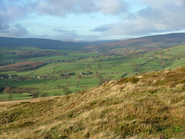 The view NW from Beamsley Beacon - geograph.org.uk - 292221