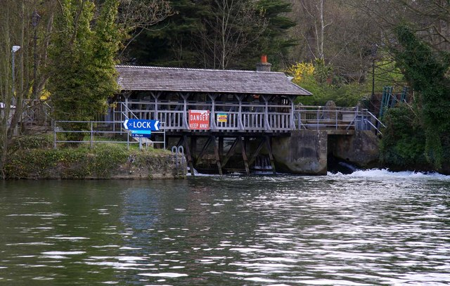 The weir at Iffley - geograph.org.uk - 1253510