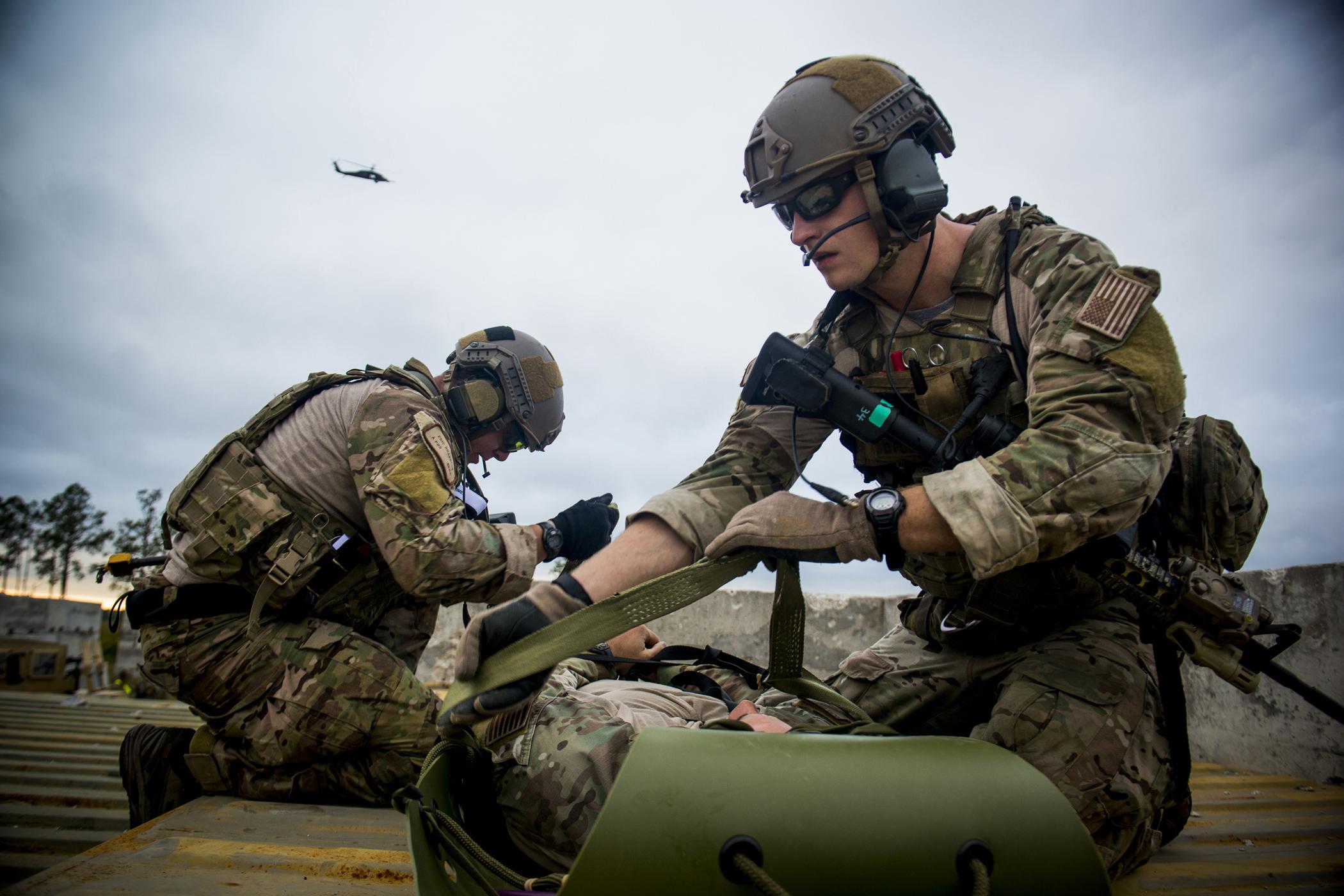 Fileus Air Force Staff Sgts 121213 F Po994 971jpg Wikimedia