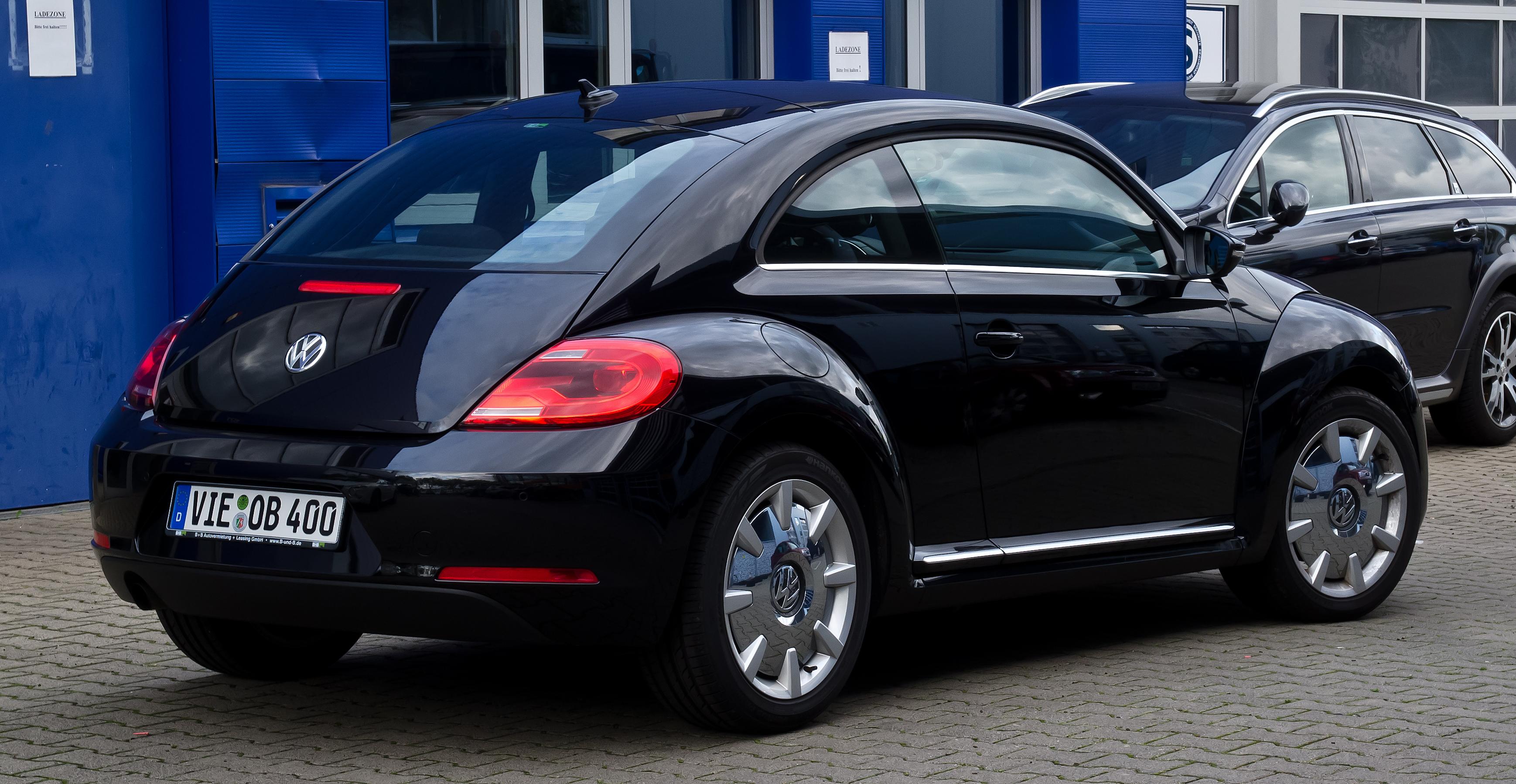 Who Designed The Vw Beetle >> File:VW Beetle Design – Heckansicht, 8. Juli 2012
