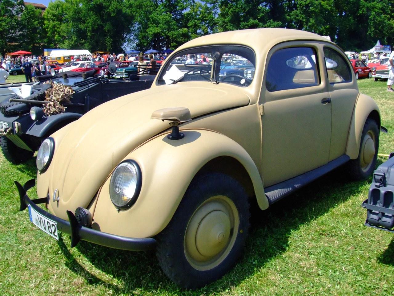 http://upload.wikimedia.org/wikipedia/commons/e/e4/VW_K%C3%A4fer_Typ82_1.jpg