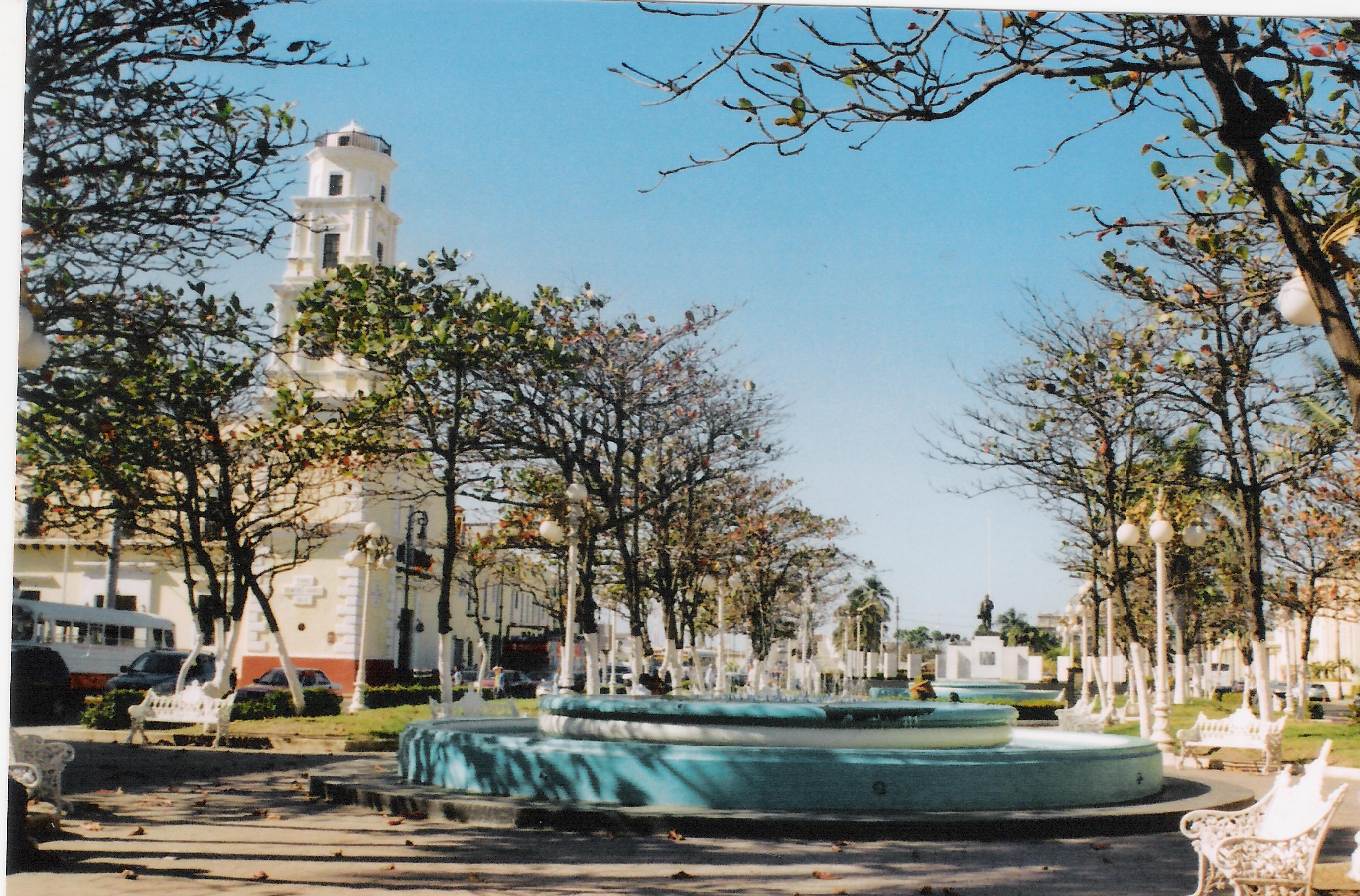 Plaza De La Concordia file:veracruz plaza de la concordia - wikimedia commons
