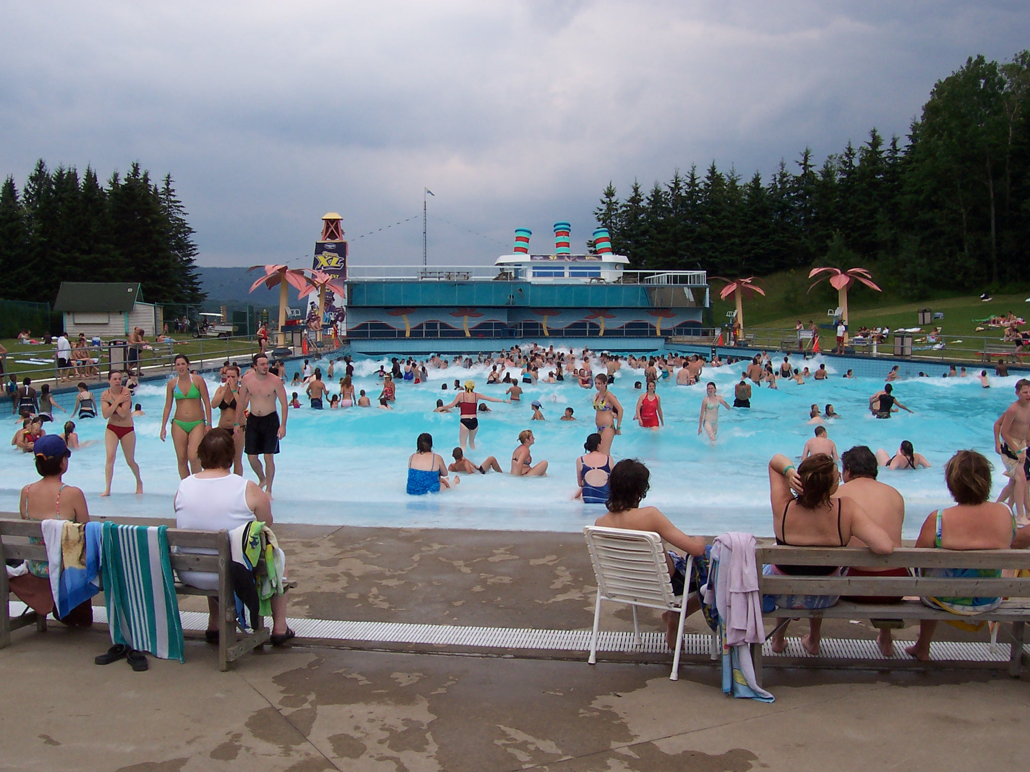 Fichier village vacances valcartier piscine 1 2006 08 for Village vacances gers avec piscine