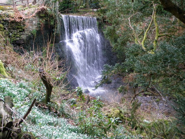 Waterfall in Finlaystone country Estate - geograph.org.uk - 1196913