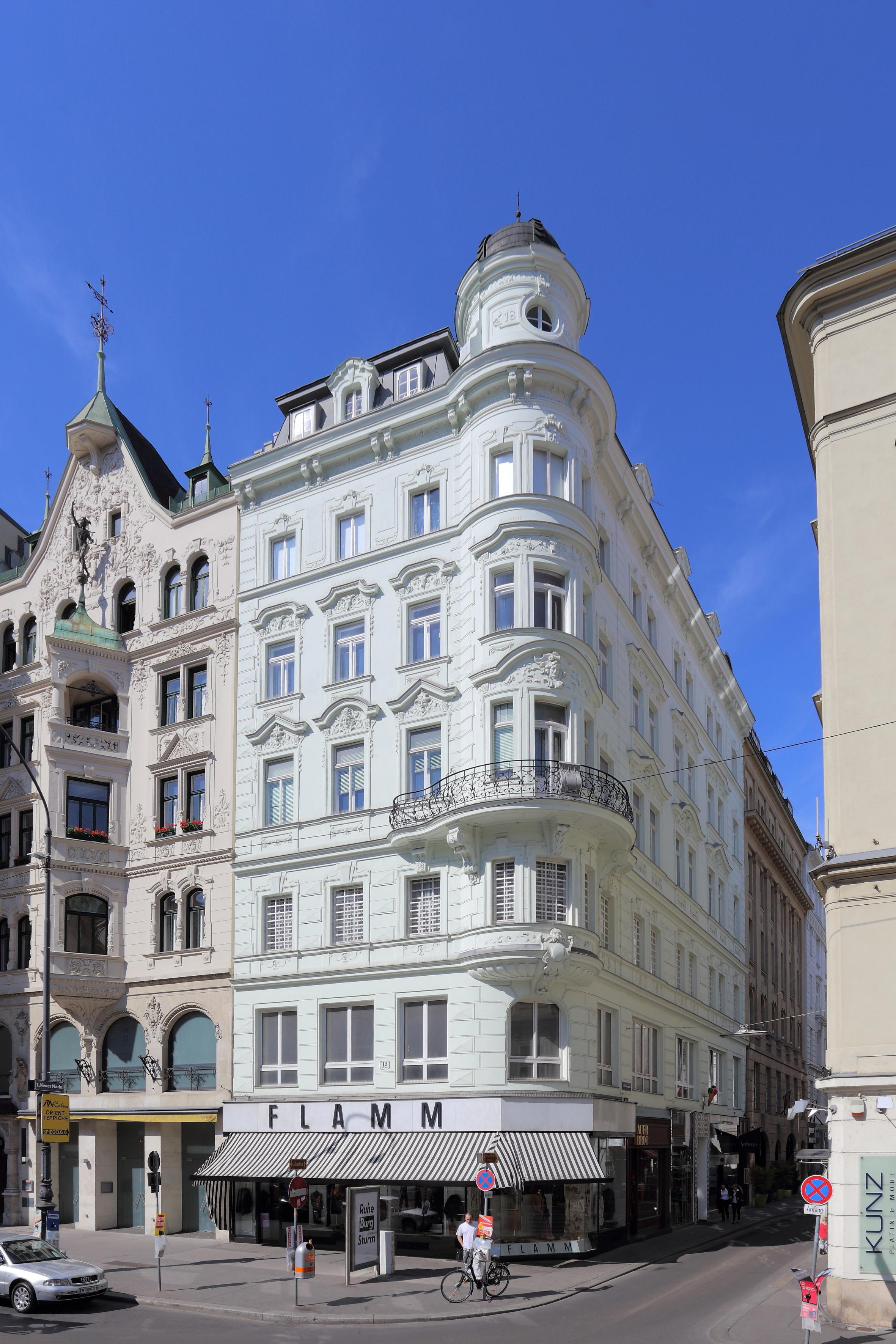 Wien - Wohn- und Geschäftshaus, Neuer Markt 12.JPG