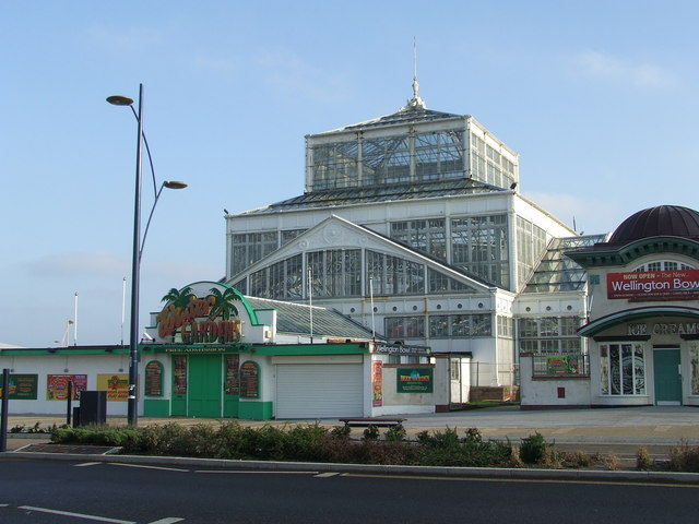 Winter gardens - geograph.org.uk - 1097361