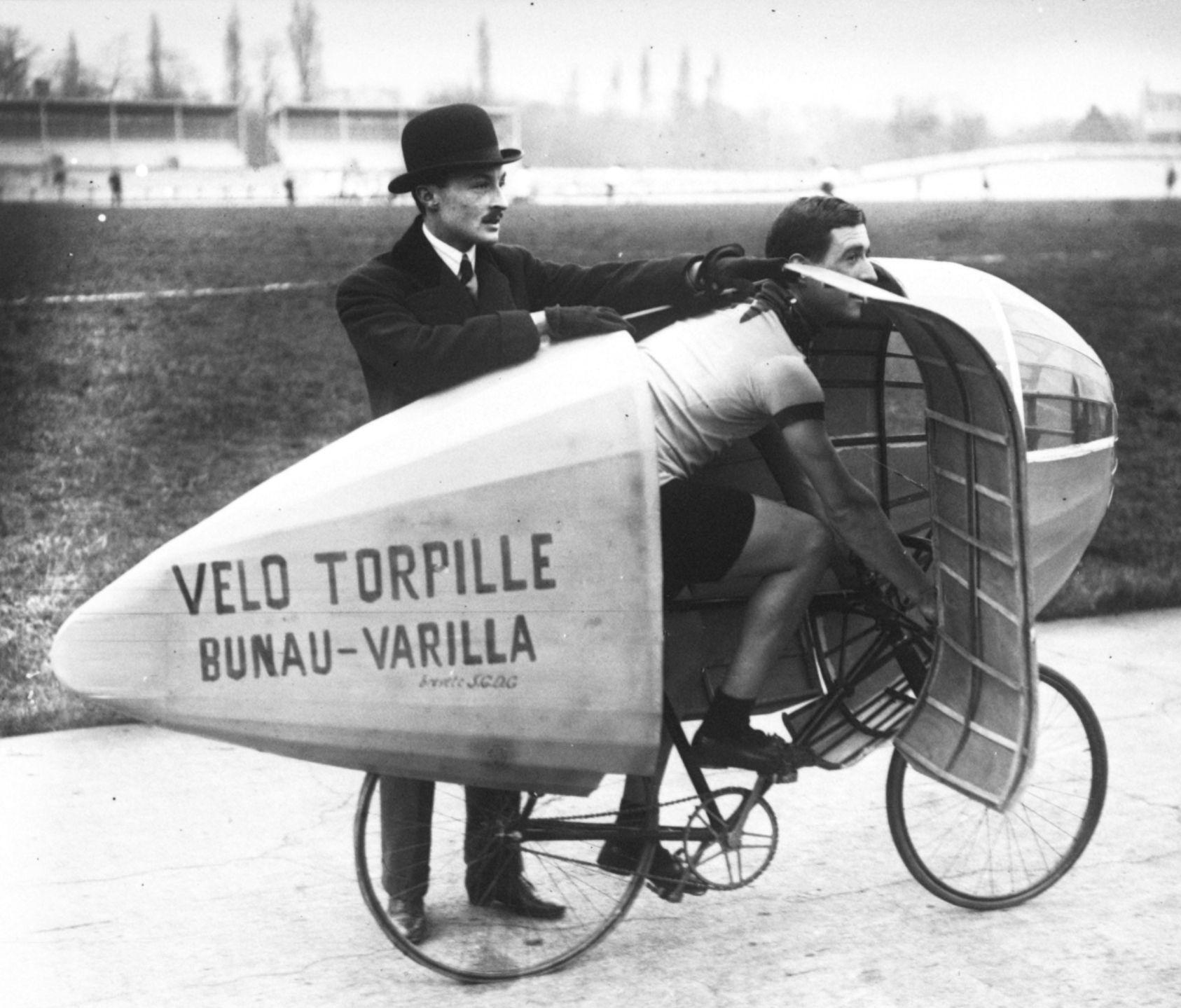 La puissance du moteur humain : le cas du vélo %C3%89tienne_Bunau-Varilla,_Marcel_Berthet,_v%C3%A9lo_torpille,_1913