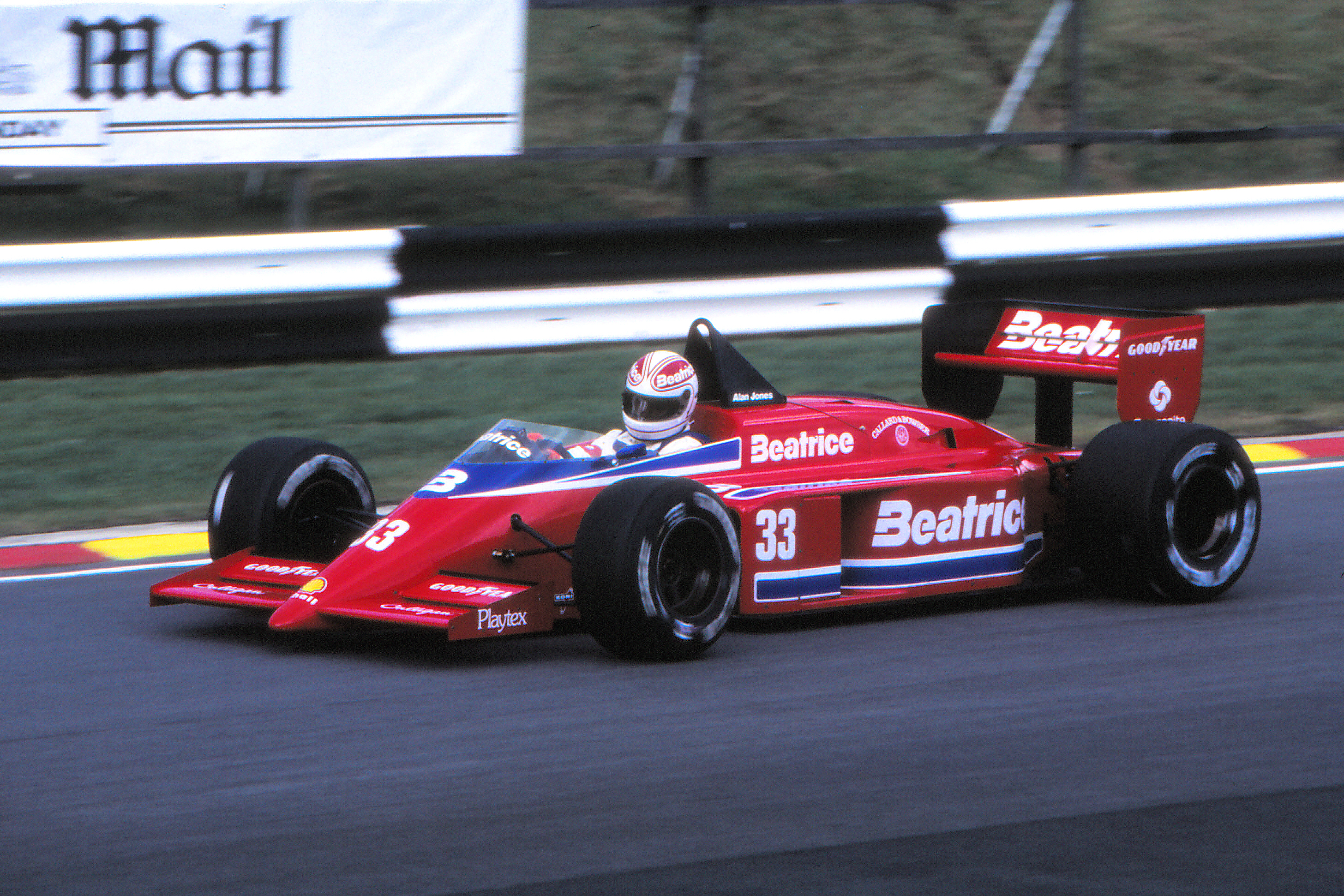 1985_European_GP_Alan_Jones_03.jpg
