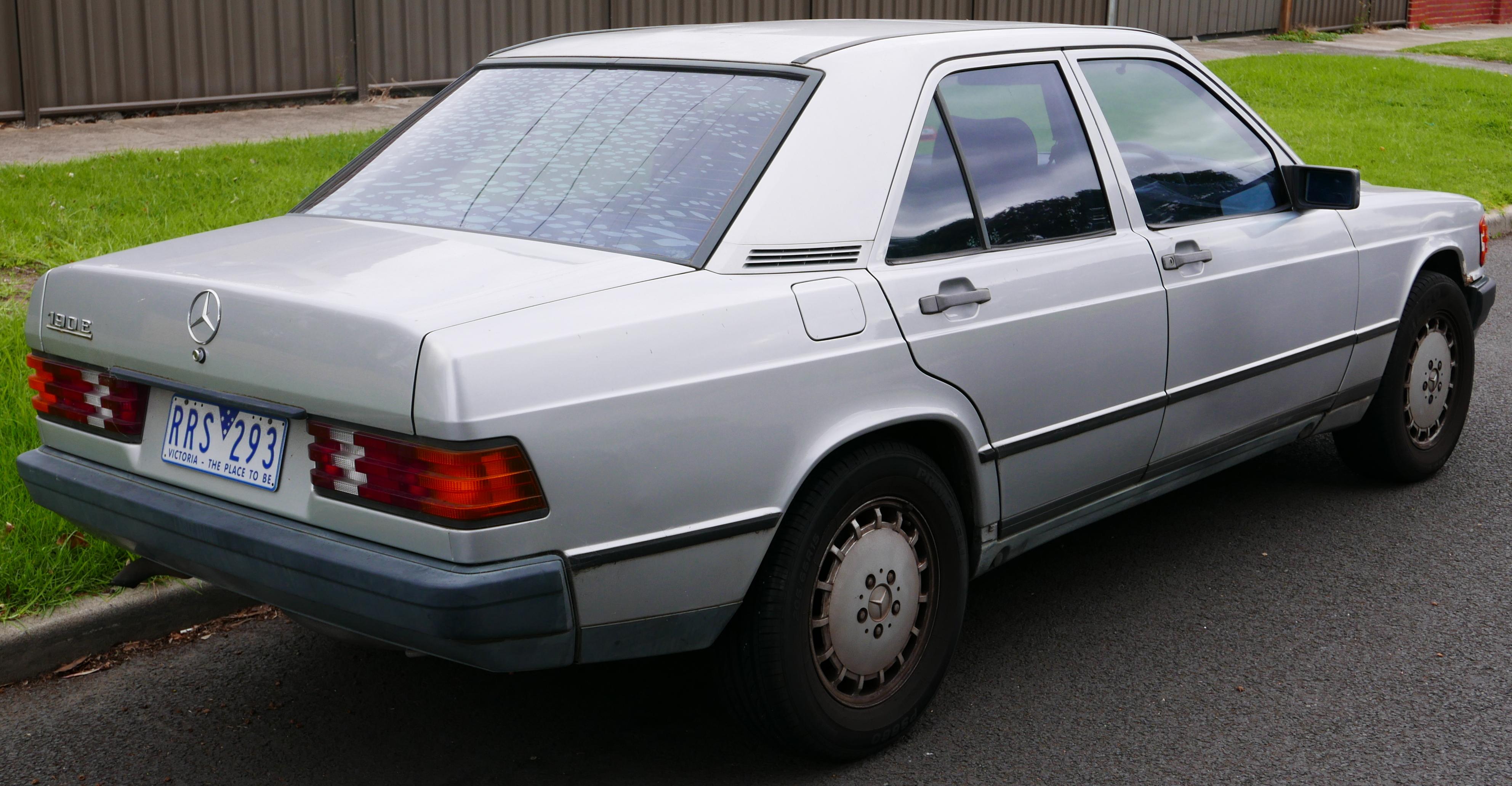 File 1985 mercedes benz 190 e w 201 2 0 sedan 2015 05 for Mercedes benz model codes