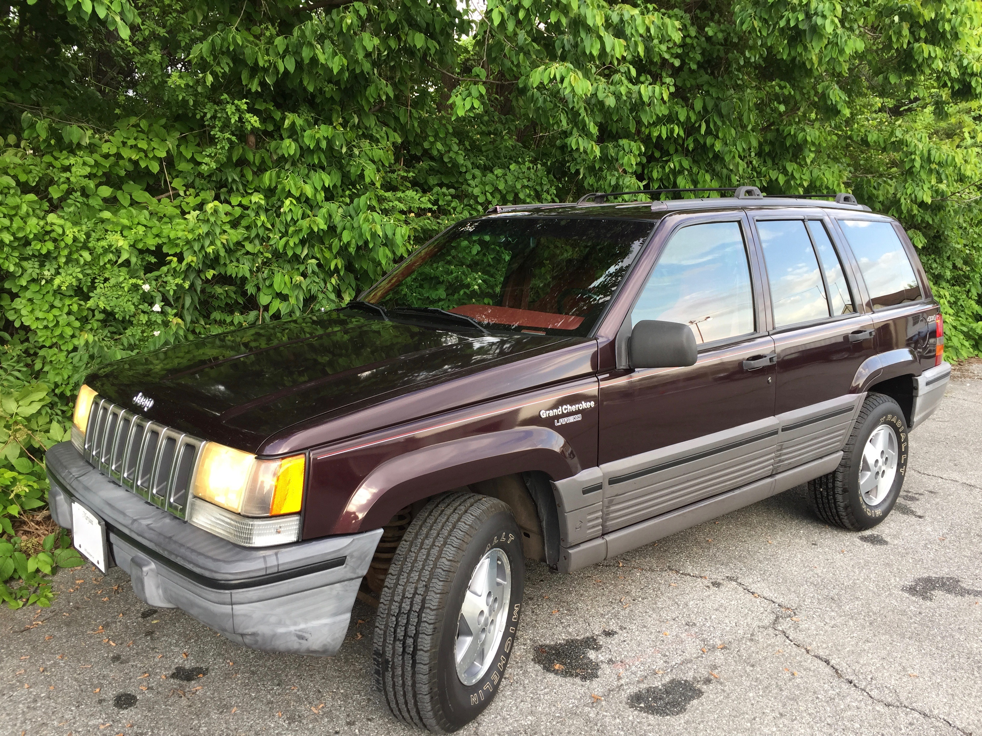 File 1993 Jeep Grand Cherokee Laredo Blackberry With Crimson Interior 06 Jpg Wikimedia Commons