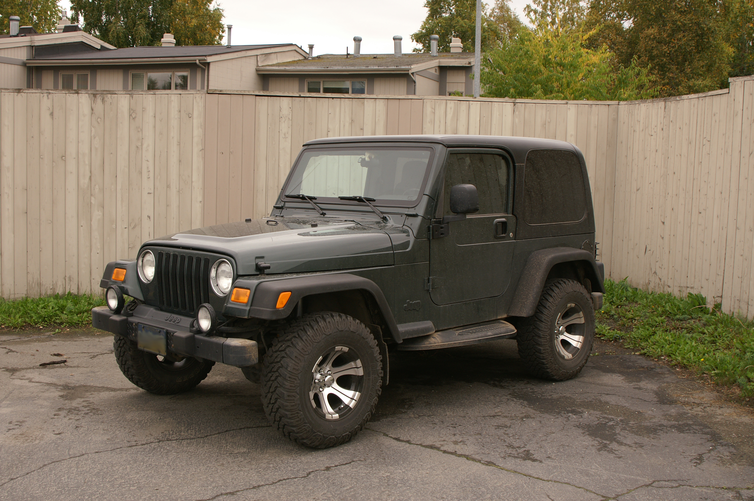 File:2003 Jeep Wrangler Sport.jpg - Wikimedia Commons