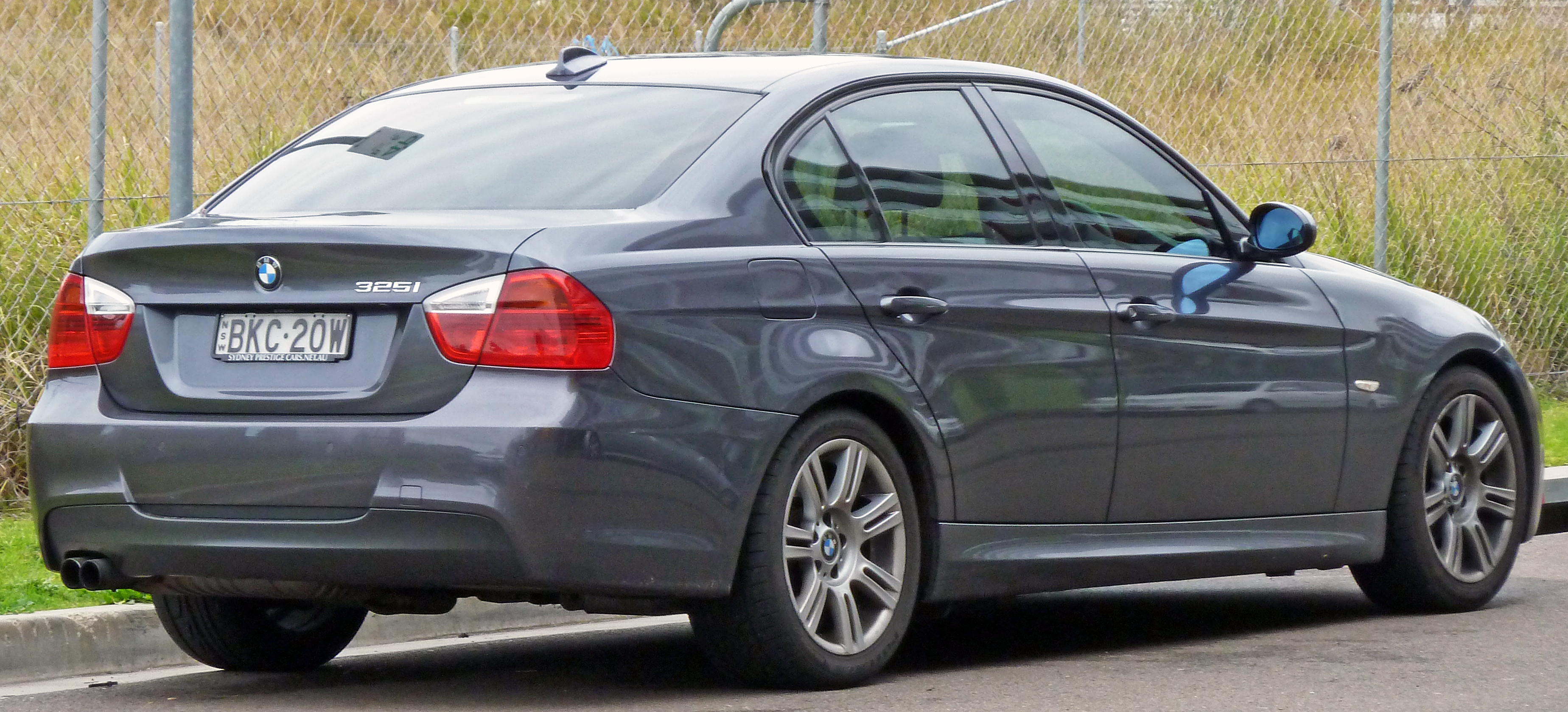 BMW 3 Series (E90) - Wikipedia